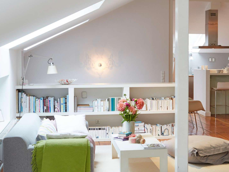 Das richtige Roto Dachfenster für Ihr Wohnzimmer